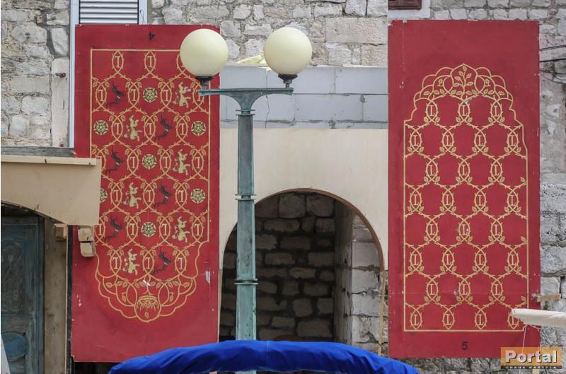 Lannister Baratheon banner