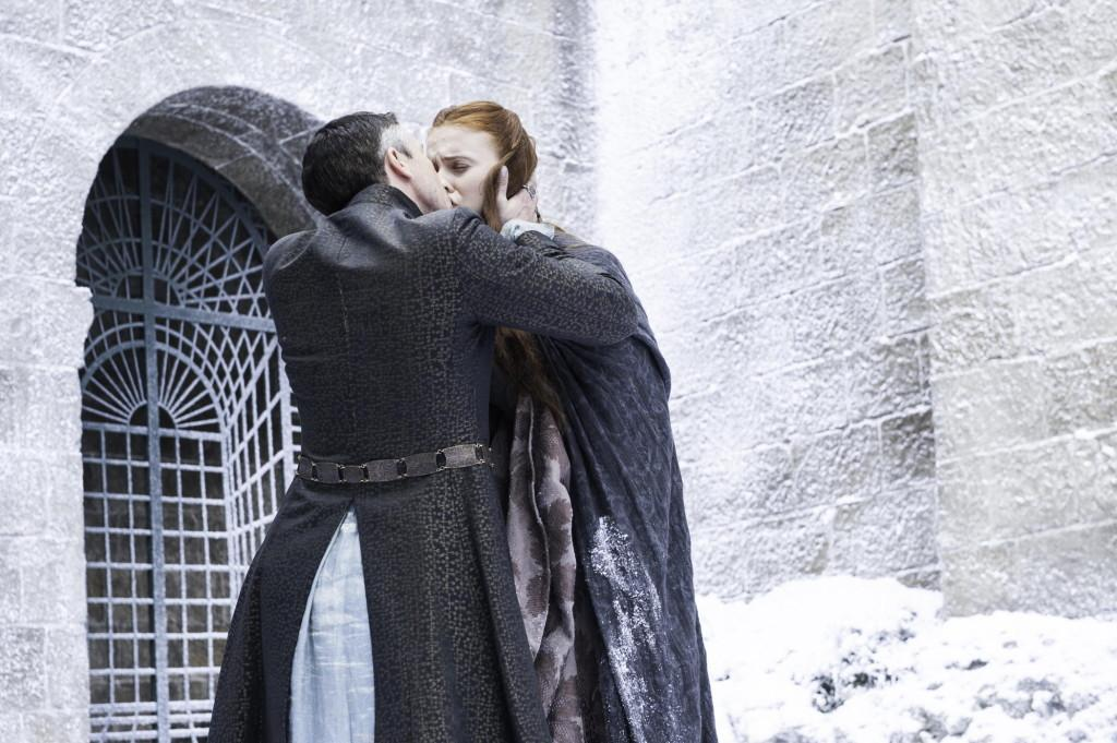 Sansa and Littlefinger kissing