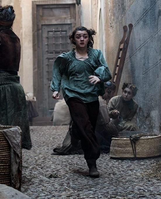 Arya running