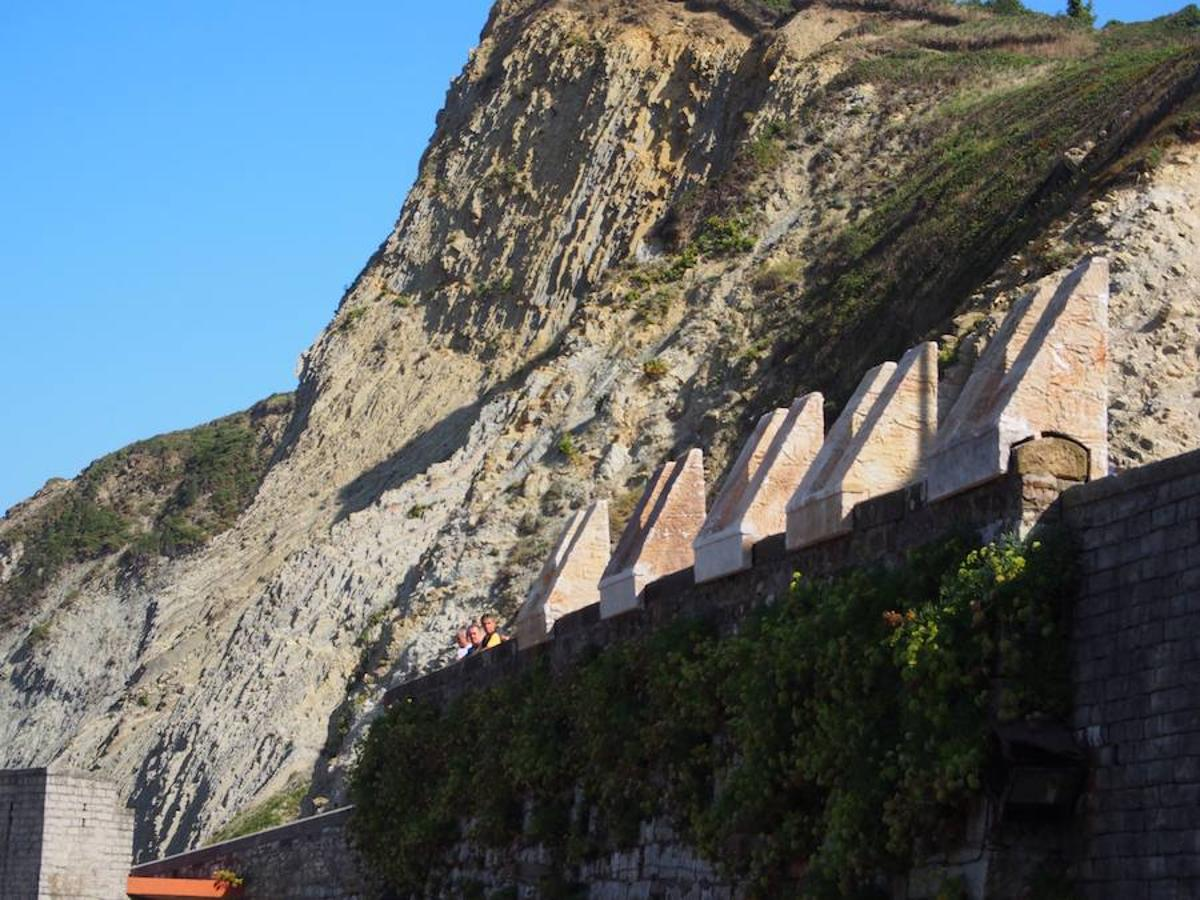 First Photos Of The Game Of Thrones Set In Zumaia Watchers On The