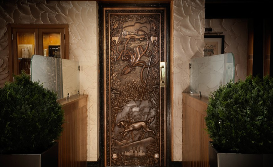 door3 & Check out the 10 Game of Thrones-themed doors and The Extras Dept ...