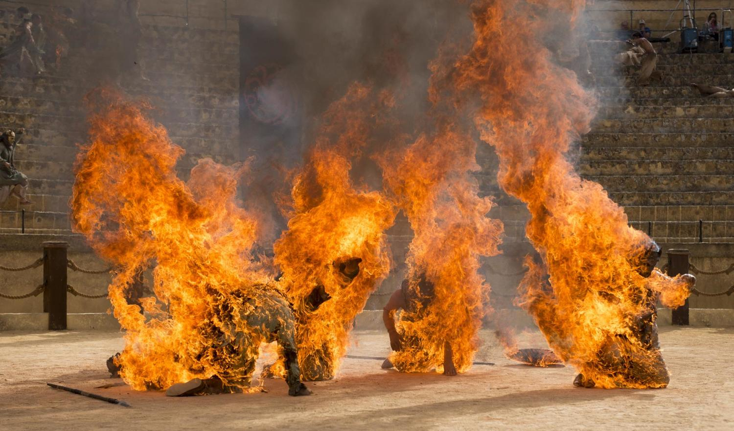 "Son of the Harpy stunt performers  set on fire in ""The Dance of Dragons"""