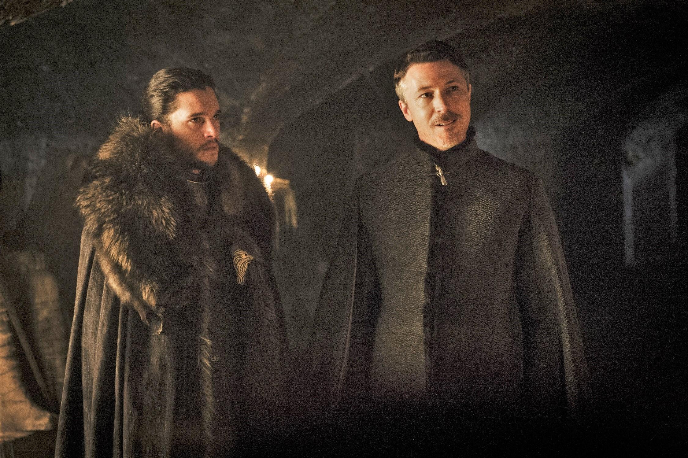 702 - Winterfell - Jon, Littlefinger 1