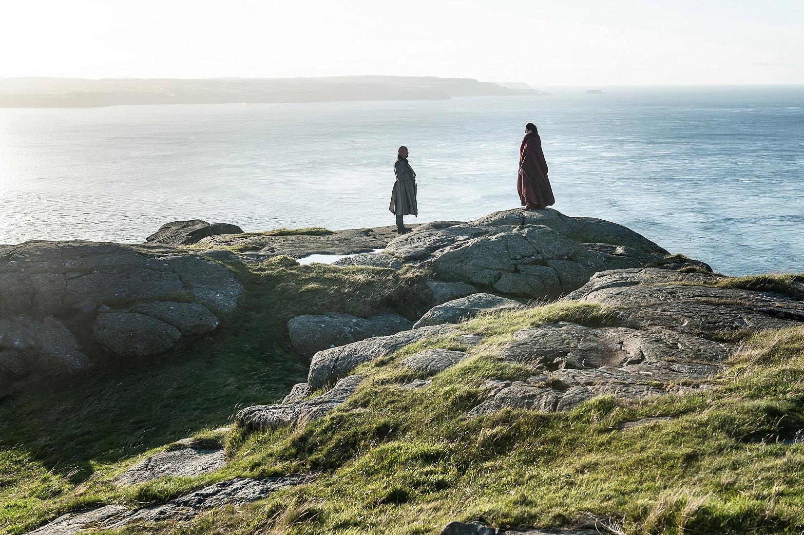 703 - Dragonstone - Varys, Melisandre 1