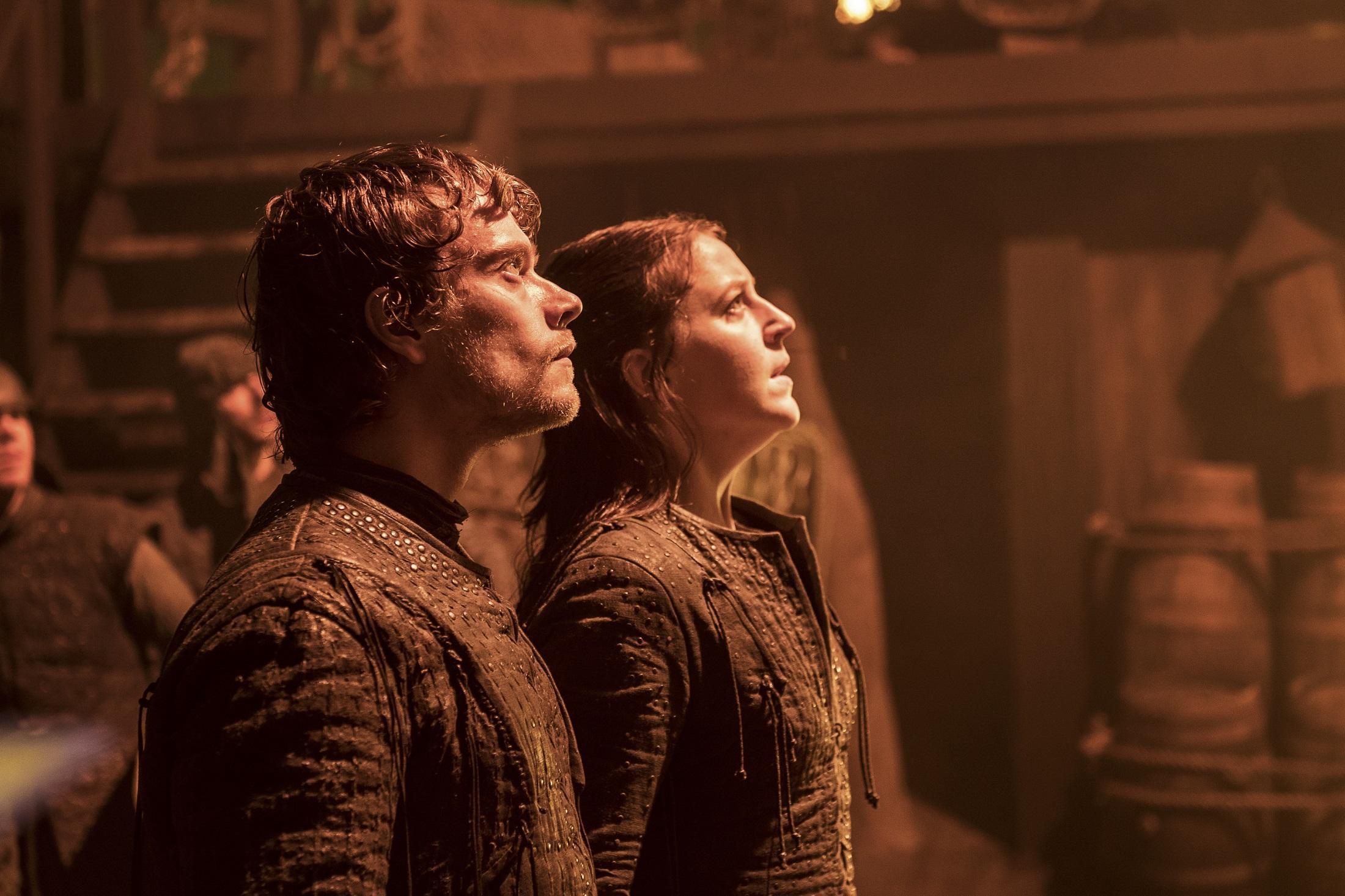 Theon and Yara admiring this week's ratings