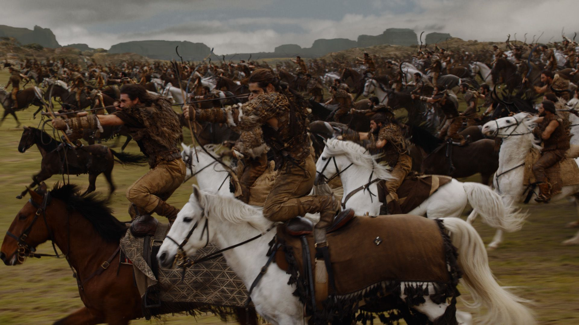 "Although there were as many as 500 extras for the Dothraki charge in ""The Spoils of War,"" cinematographer Robert McLachlan manipulated footage to make it look like many more."