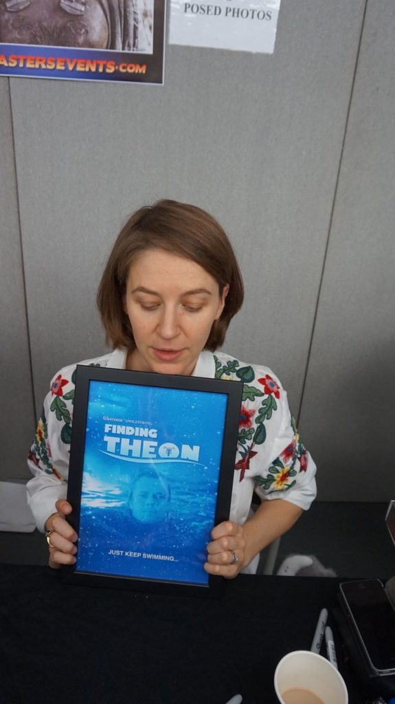 Gemma Whelan with her 'Finding Theon' artwork. Artwork and photo by @WightsKing