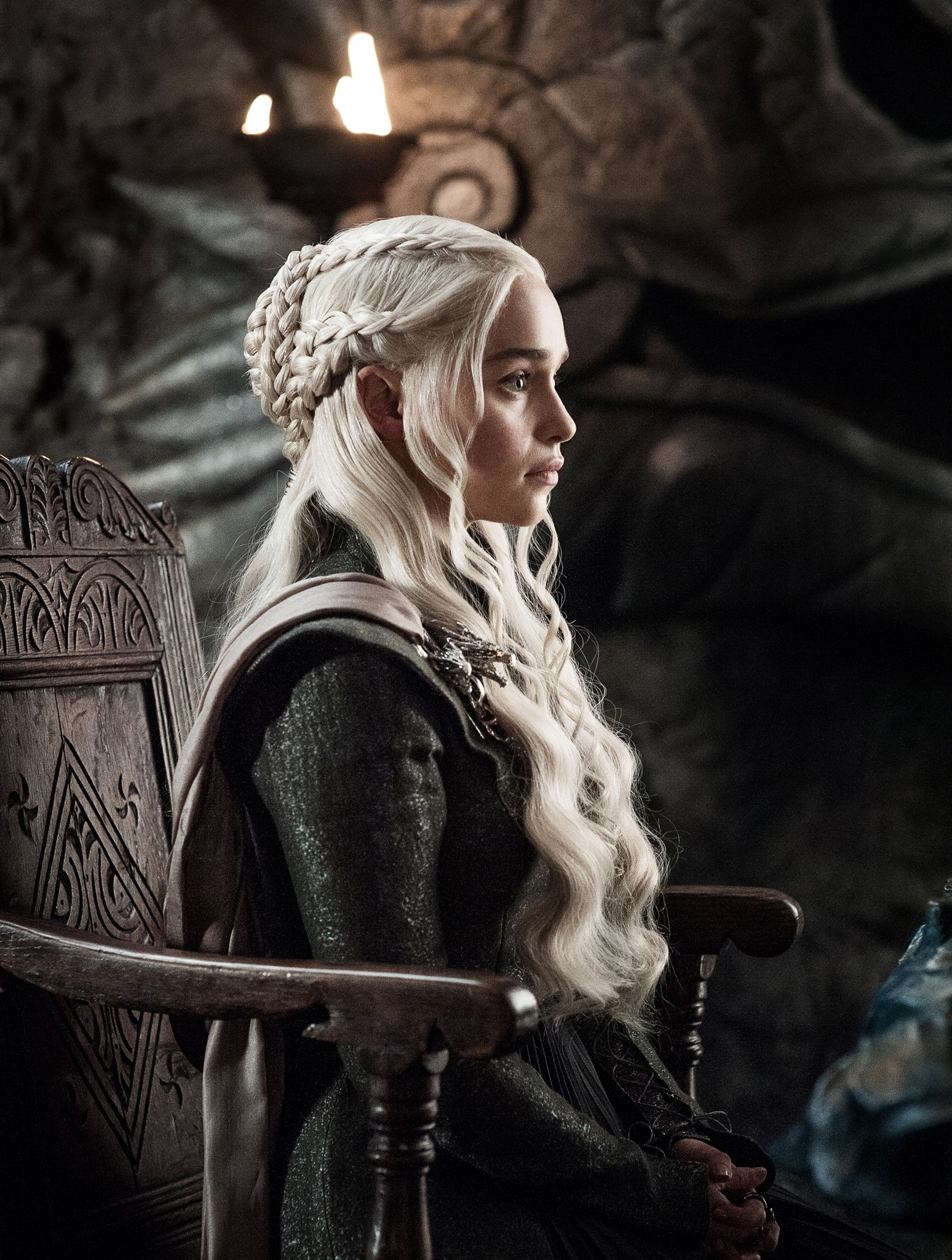 Updated new photos from game of thrones season 7 episode for Daenerys jewelry season 7