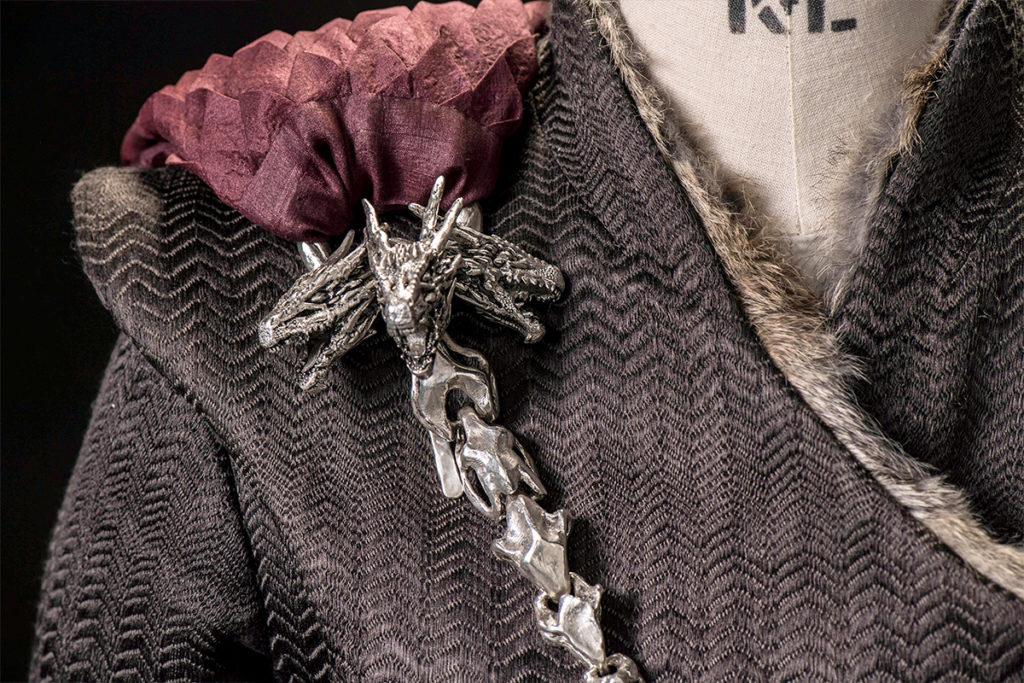 mgot_daenerys_costumes_slideshow_02_1200x800