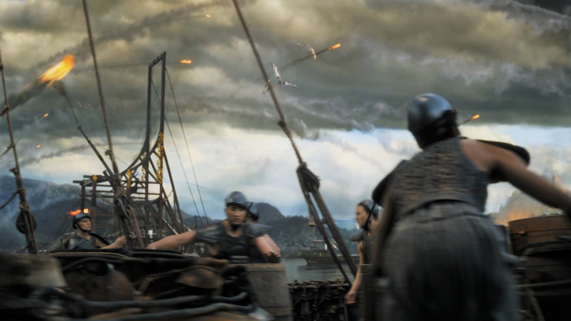 siege engines About siege engines from heroes of battle the three basic types of siege engines are battering rams, siege towers, and catapults (a category that includes a wide range of throwing machines, from ballistae to trebuchets.