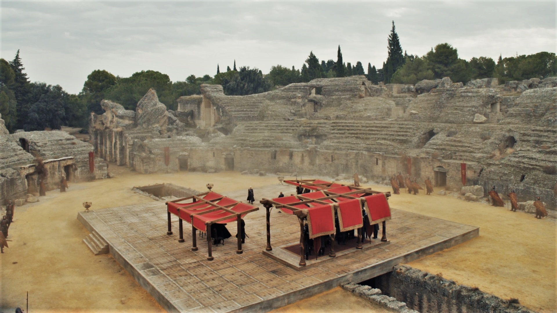 "The Dragonpit as it looked in season seven's ""The Dragon and the Wolf."""