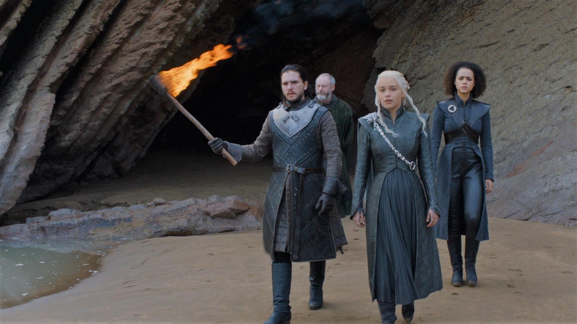 7x04 Jon Daenerys Davos Missandei Dragonstone Caves Zumaia