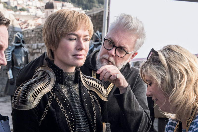 Lena Headey (Cersei Lannister) and hair designer Kevin Alexander at the Red Keep exterior battlements for a scene in Season 8 Episode 1. Photo: Helen Sloan / HBO, via XLSemanal