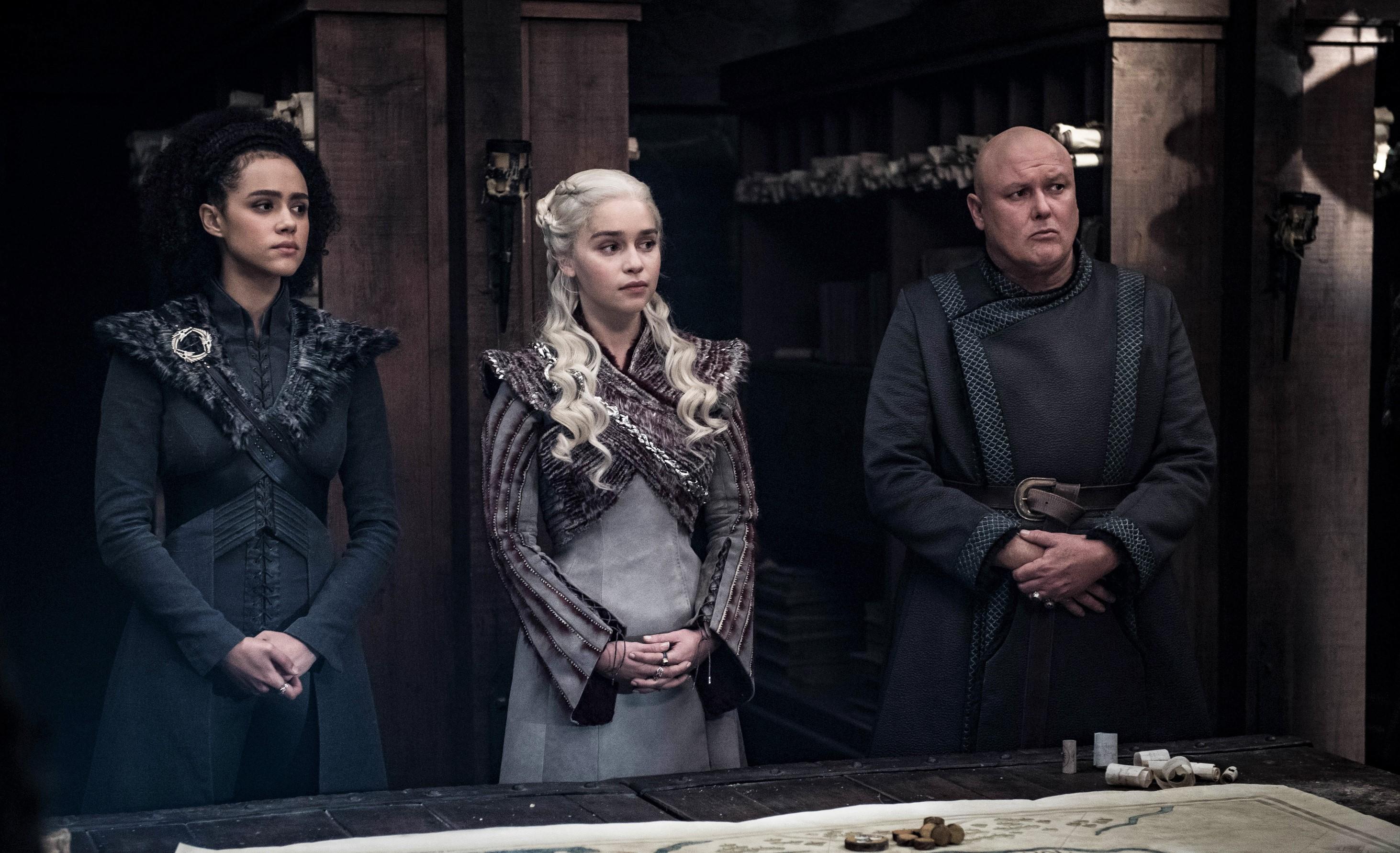 Missandei Daenerys Varys Season 8 804 (2)