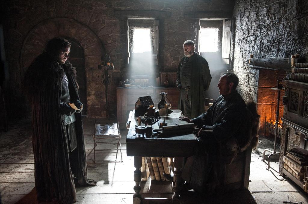 Kit Harington as Jon Snow, Stephen Dillane as Stannis Baratheon and Liam Cunningham as Davos Seaworth _ photo Helen Sloan_HBO
