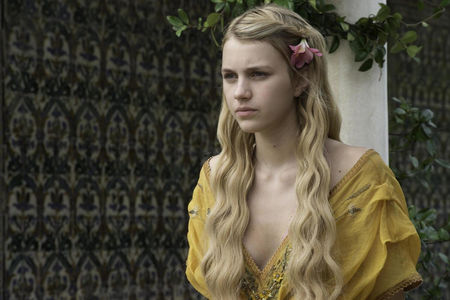 http://watchersonthewall.com/wp-content/uploads/2015/03/Nell-Tiger-Free-photo-Macall-B.-Polay-HBO.jpg