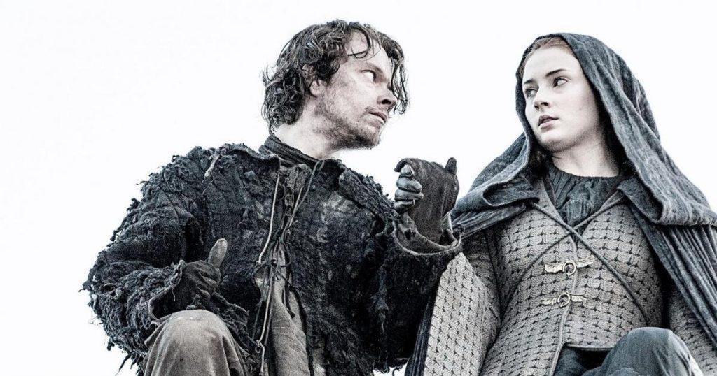 Theon Greyjoy and Sansa Stark prepare to jump