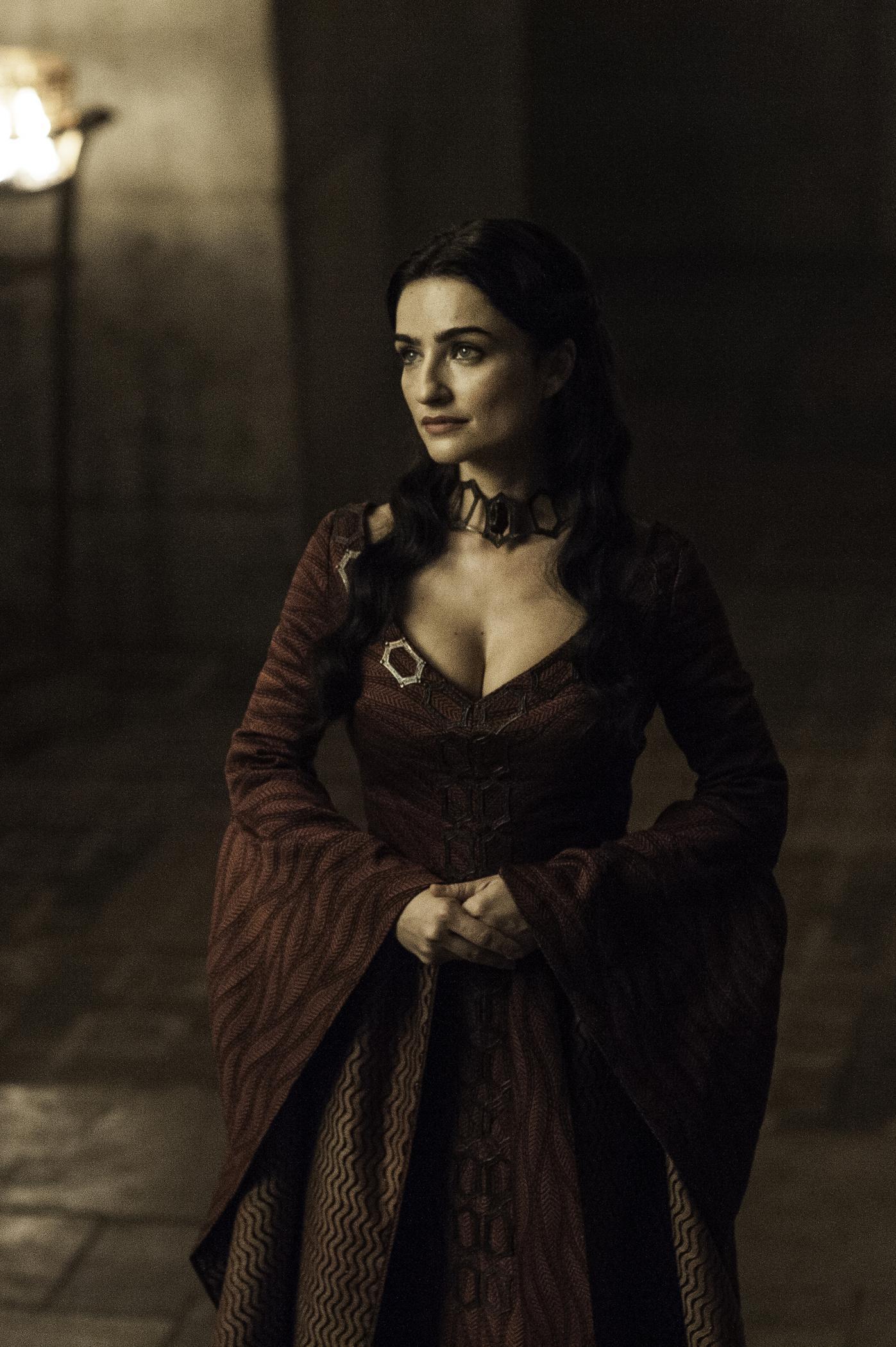 Photo: Ania Bukstein as Kinvara Credit: Helen Sloan/HBO