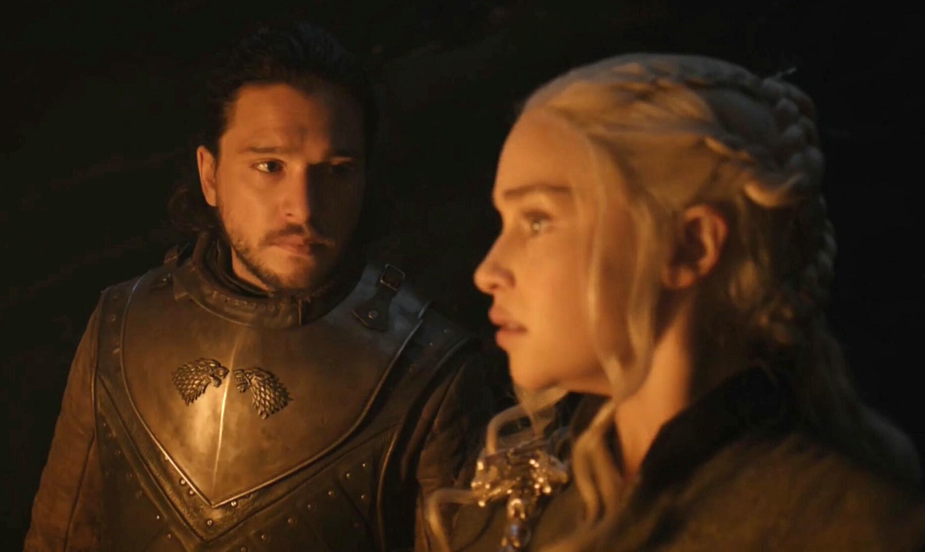 do jon snow and daenerys hook up Jon snow and daenerys targaryen got together for a steamy sex scene jon snow and daenerys targaryen ice and fire —jon and dany hooked up.