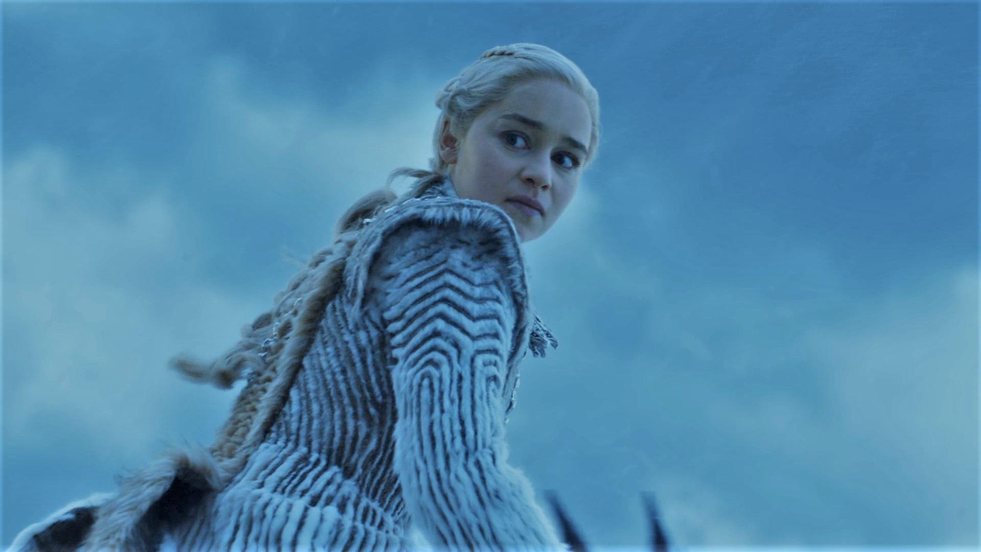 7x06 Daenerys looking at Night King Frozen Lake
