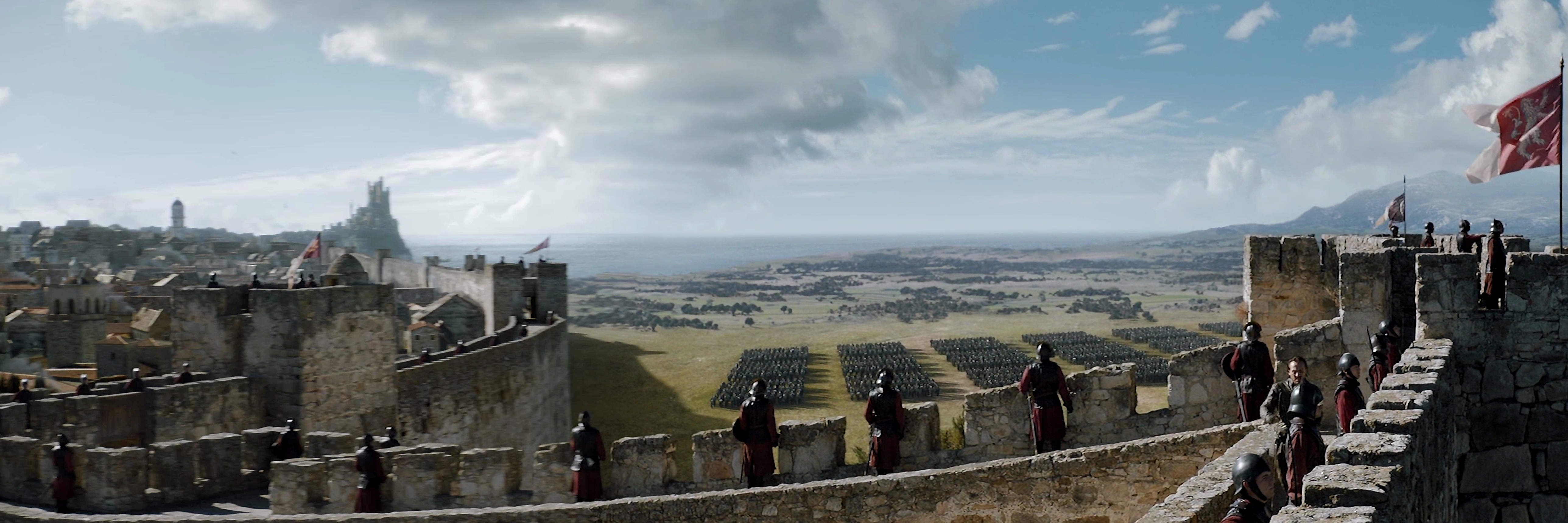 "Panorama of the King's Landing walls  in the Season 7 finale, ""The Dragon and the Wolf"""
