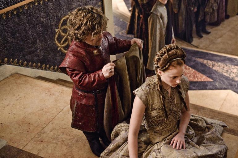 sansa-kneeling-for-Tyrion