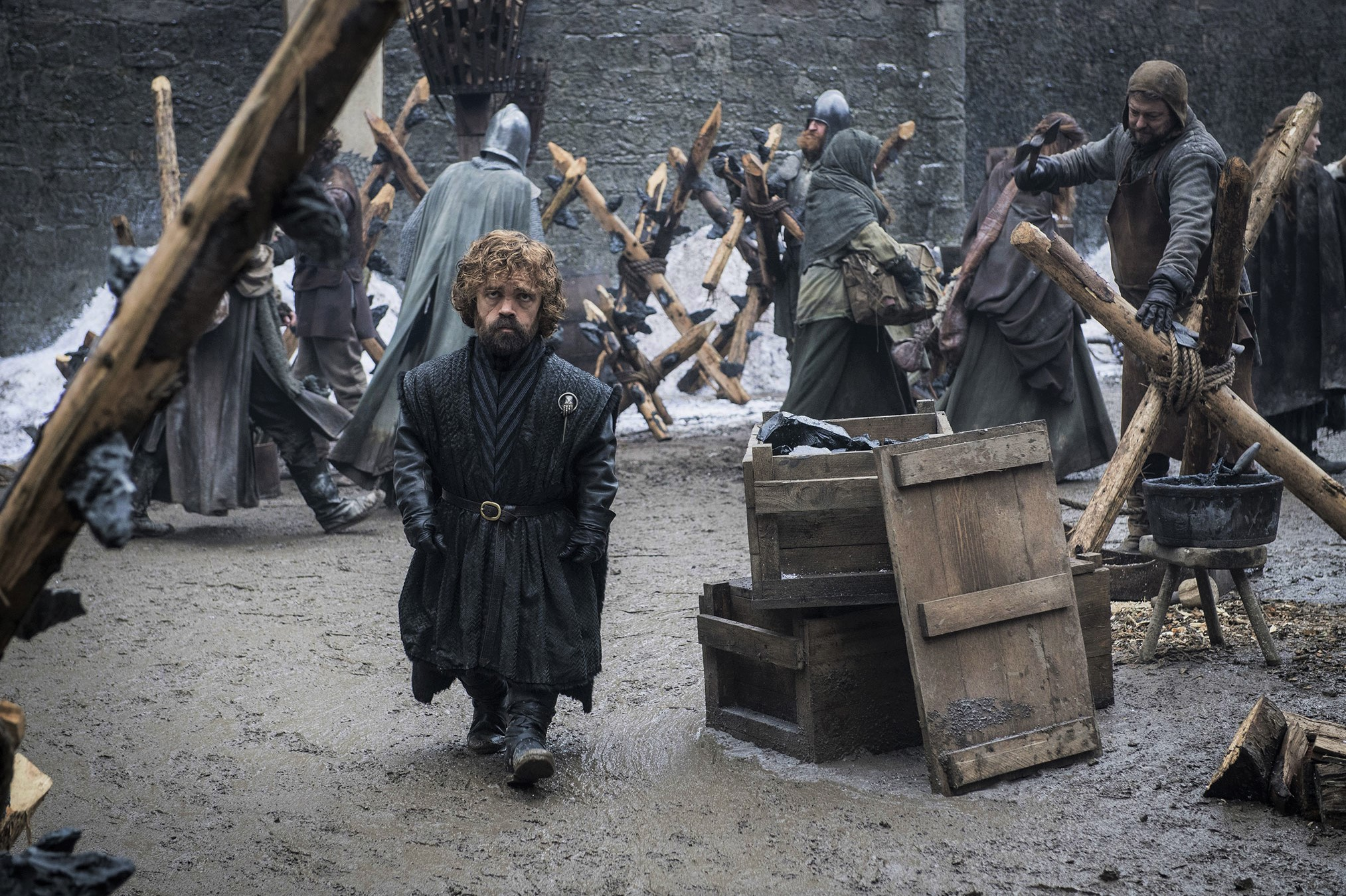 A new promotional pic of Tyrion in Season 8, in the courtyard of Winterfell.