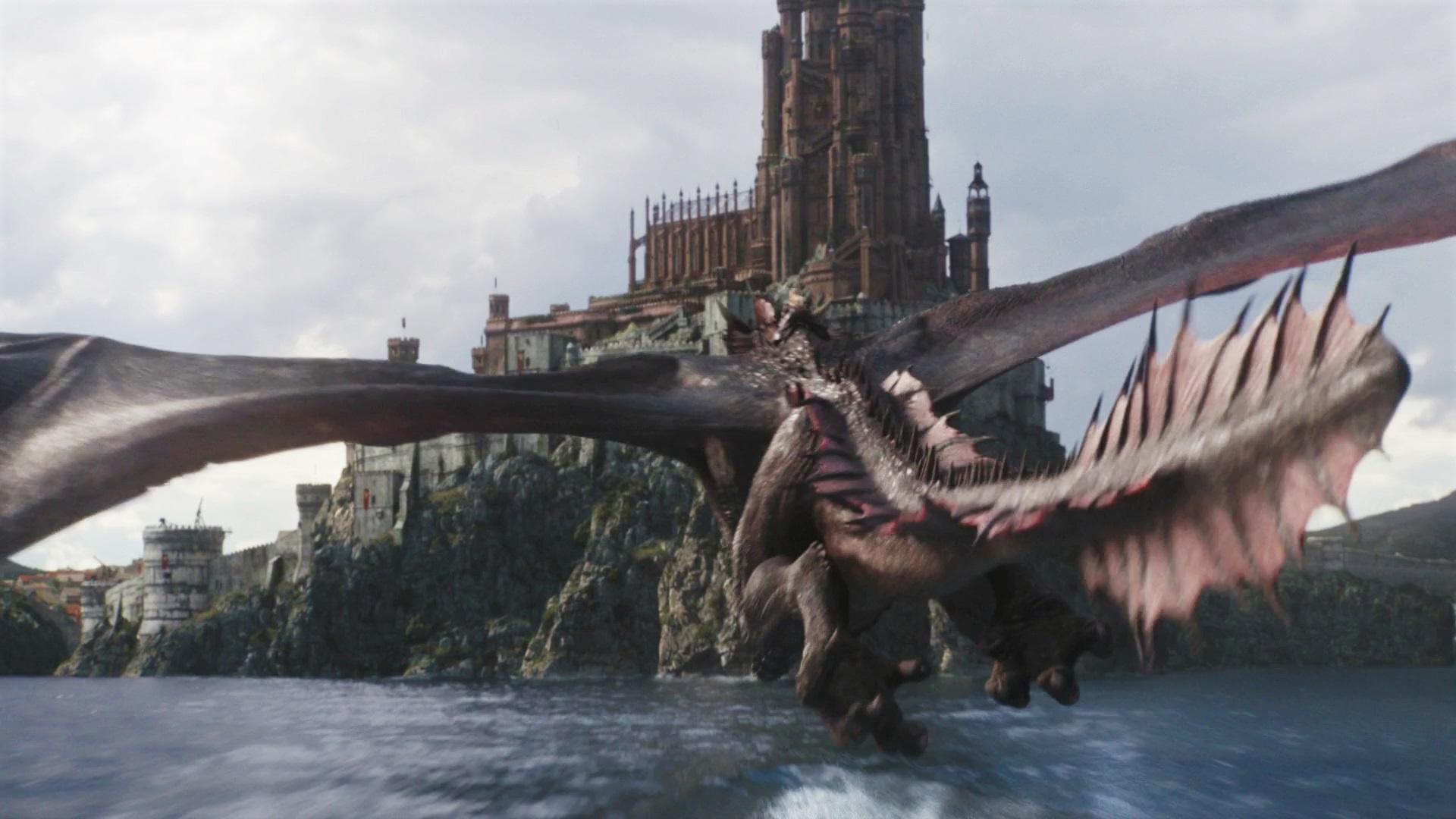 Daenerys Dany Targaryen King's Landing Red Keep Drogon Season 8 805 The Bells
