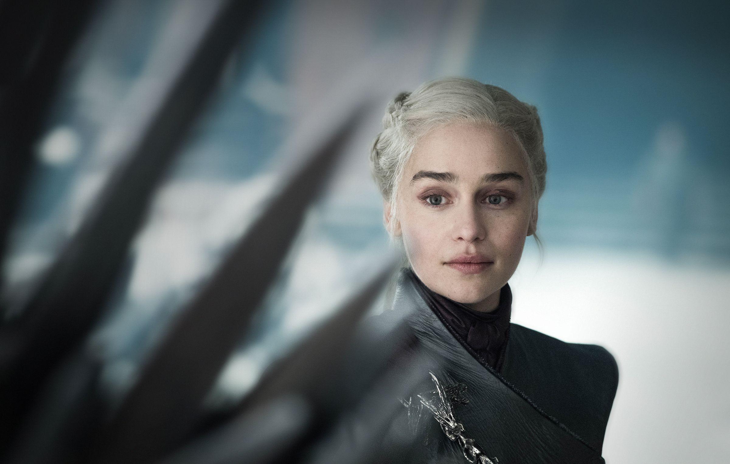 Daenerys looking at throne